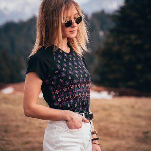 Le tee-shirt en bois Julie noir